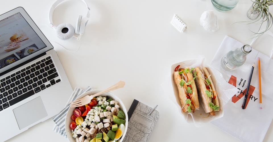 dejeuner au bureau 5 bons plans pour se faire livrer