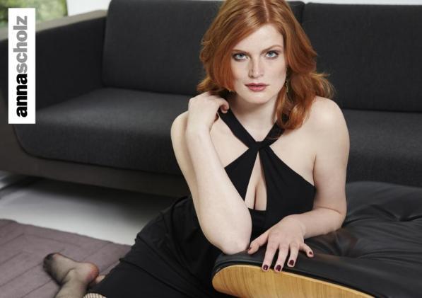 Extravaganter Ausschnitt - Plussize-Modell von Anna Scholz - Bild: annascholz.com