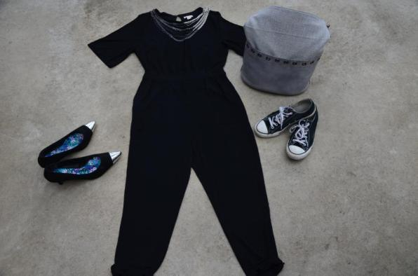 Elegant oder Stilbruch? Jumpsuit von H&M I Pumps von Simplybe I Chucks von Converse I Tasche SURI von SURI FREY I Kette von Forever21