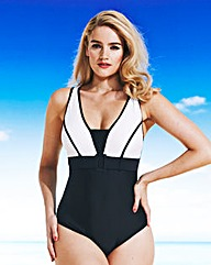 Swimsuit für Curvys I Bild: Simple Be