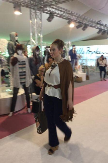 Plus Size Model Sandy Dietrich beim Studio Untold Runway auf der Curvy in Berlin