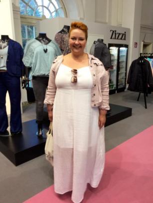 Plussize Modell Christin auf der Curvy in Berlin I PlusPerfekt.de