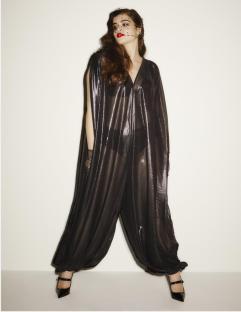 Jumpsuit reloaded I Diesmal transparent I Credits: Beth Ditto