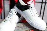 Kontrast-Sneaker für den lässigen Stilbruch