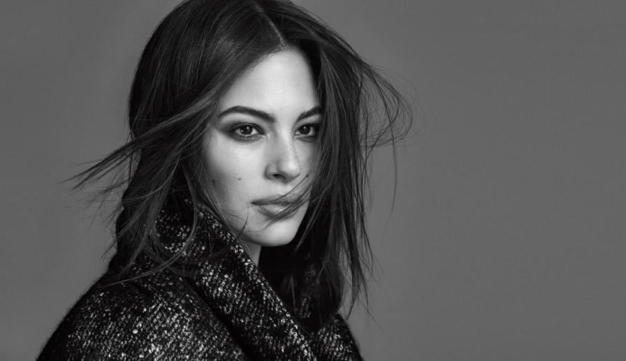 Plus Size Model Ashley Graham | @theashleygraham @marina.rinaldi