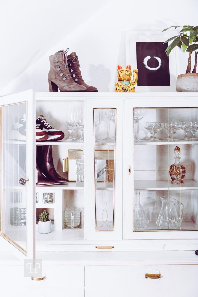 Küchenschrank_Schuhe_Stiefeletten_Lloyd_DIY_Pflanze_Glueckskatze