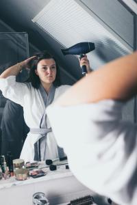 Haarpflege gehört zur Alltagsroutine