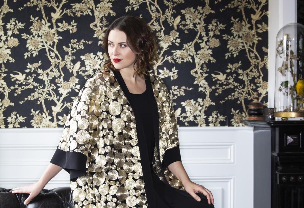Yoek Kimono Gold Plussize Curvy