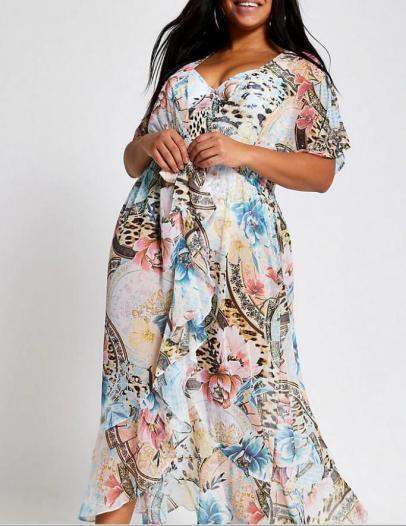 Kaftan-Kleid im Dschungel-Print | Credits: River Island