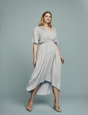 Kleid mit Drapierunge von Junarose | Mode für Curvys