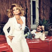 Guess Who? Jennifer Lopez im golden Flair Hollywoods