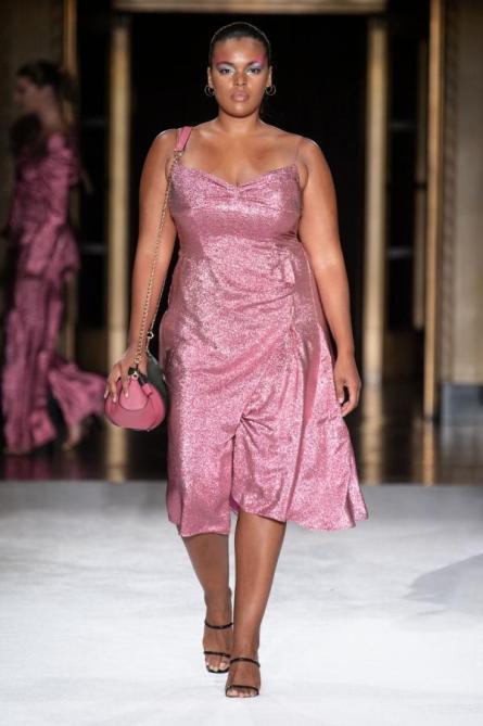 Pink mit Glamour ... Christian Siriano Sommer Kollektion 2020 | Credit: Christian Siriano