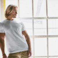 Egal welche Größe: Wieso dieses T-Shirt Männer zu Helden macht