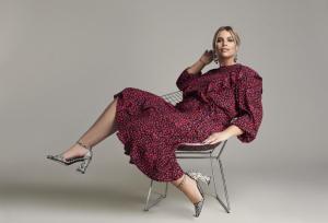 Lässiges Volant-Kleid aus der Angelina Kirsch Kollektion