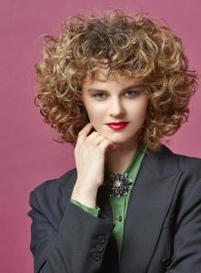 Glam Curls French Cut C2 Credit ZV Friseurhandwerk