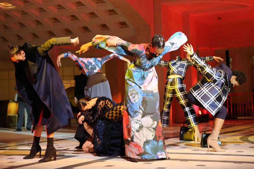 Embraceland: Fashion Show von Anja Gockel - Kollektion Herbst-Winter 21/22