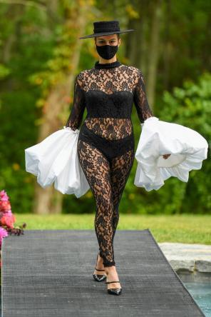 Christian Siriano Collection 37 2020 Fashion Show - Runway