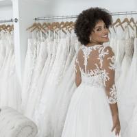 Die Top 10 der beliebtesten Brautmodengeschäfte für Curvys