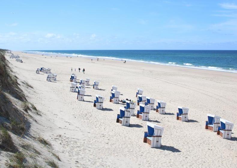 Nordseeliebe: Am Strand von Rantum auf Sylt