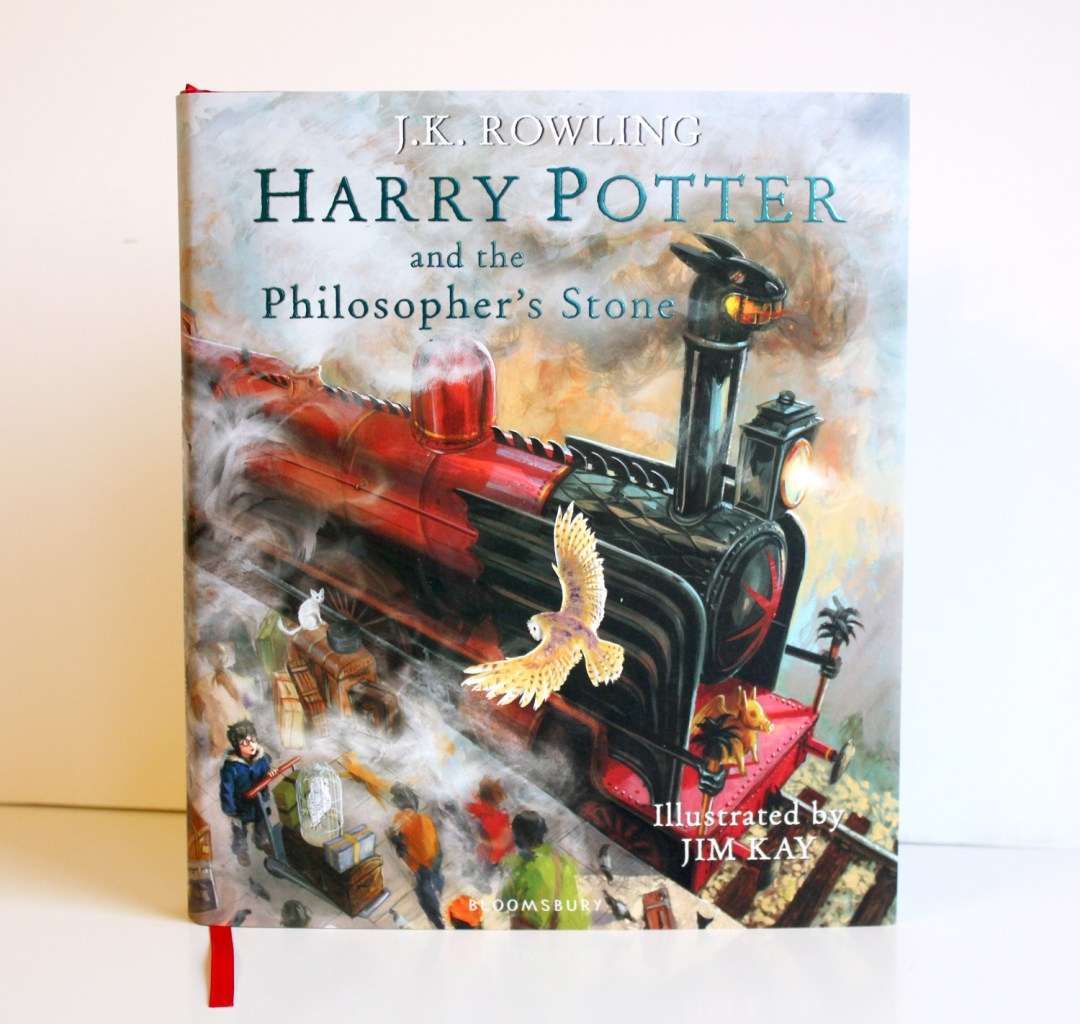 Winter book haul - Harry Potter and the Philsopher's Stone in the awesome illustrated edition