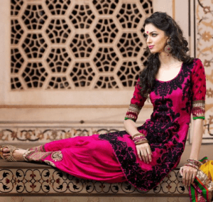 Pakistani Suits  – A Fashion Trend of the Year