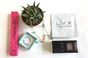 BlueLuxx – A beauty & fashion subscription that will represent your personal style