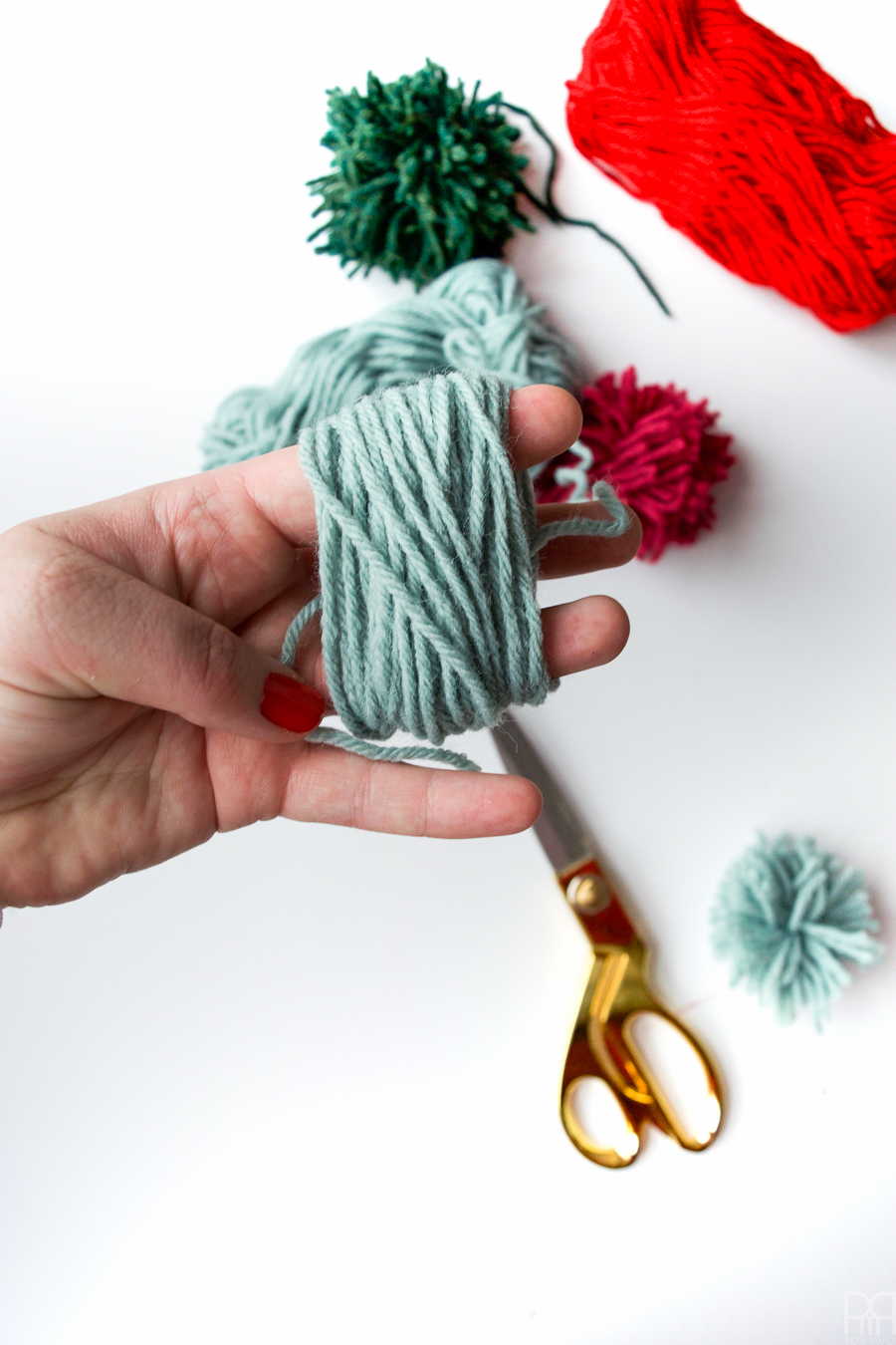 diy-pom-poms-and-tassels-20