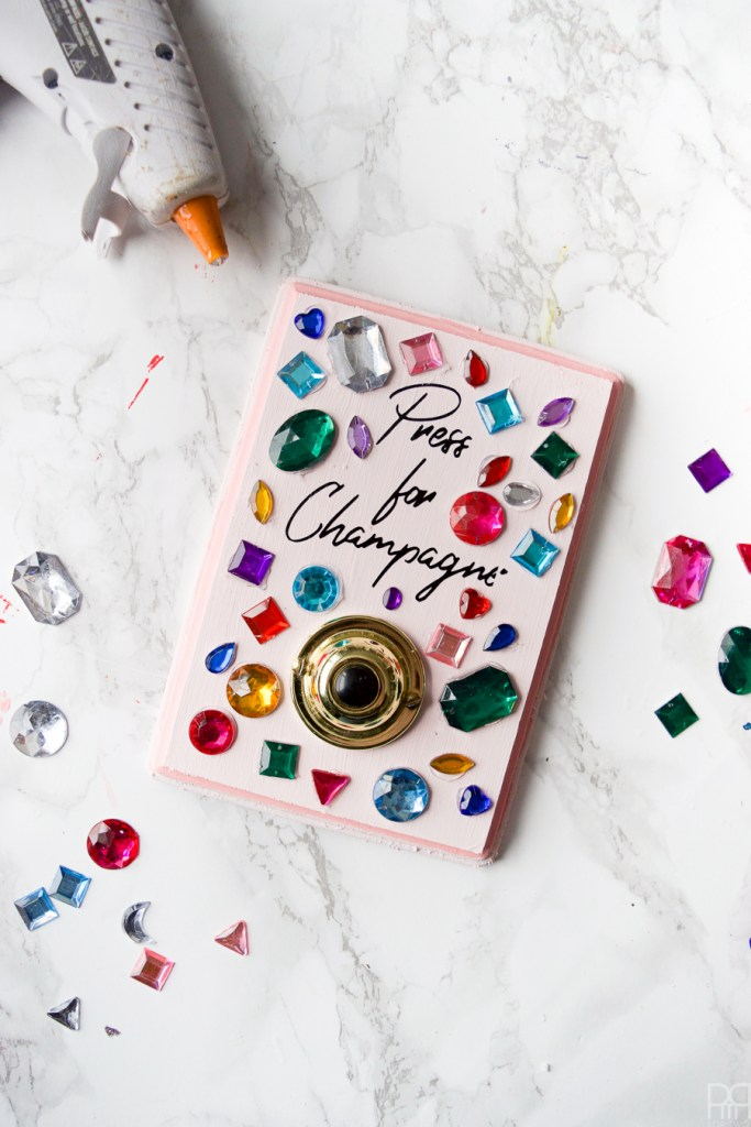 Wouldn't cocktail hour be simpler if there was a magical diy champagne buzzer? Well now there is... or at least one you can DIY. Full deets on the blog