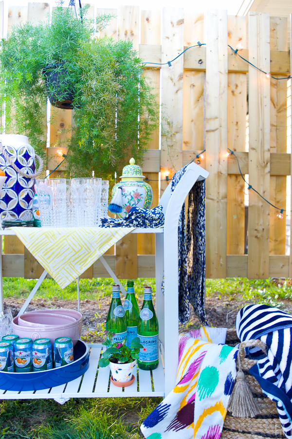 The Spring One Room Challenge 2017 is complete and our outdoor spaces have never looked so good! Come see what a Colourful & Bright Renter Backyard looks like in time for summer.