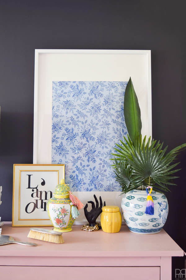 Painting your own chinoiserie pattern is easier than ever with my visual guide to chinoiserie florals in a few easy brush strokes.