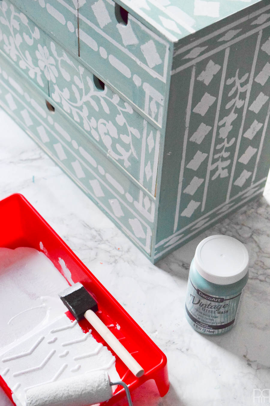 A Bone Inlay IKEA Moppe is your stencil & organization loving dream come true. Use fun colours from DecoArt's line of paints to create a one of a kind piece that will stand-out in any setting.