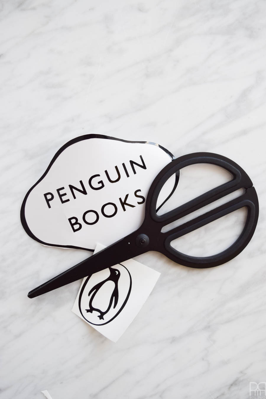 Bring bold colour & your literary favourites to your home using using your acrylics and Cricut vinyl to create DIY Penguin Classics Book Cover Art.