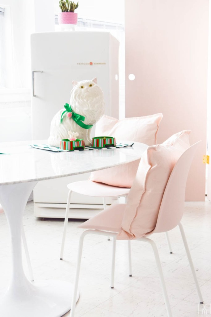 DIY Vinyl Pet Food Bowls with the IKEA Lurvig