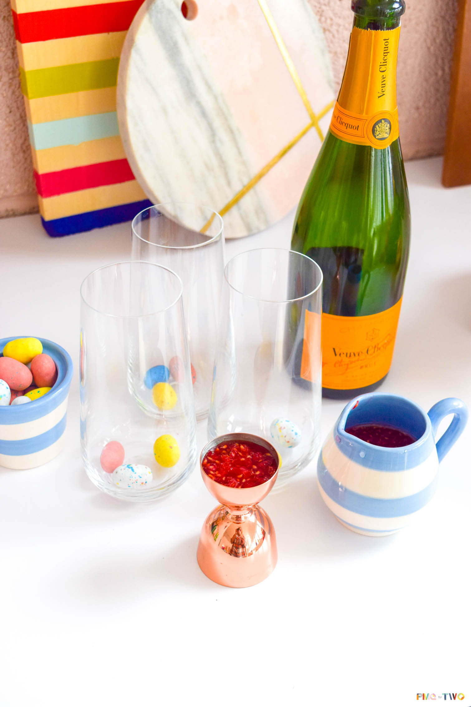 Easter brunch is a tradition around here, so it's only natural that we have a signature drink to go with it! Grab the recipe for a Raspberry Mimosa Easter Egg Cocktail that is sure to delight adults and kids alike (there's a non-alcoholic variation too).