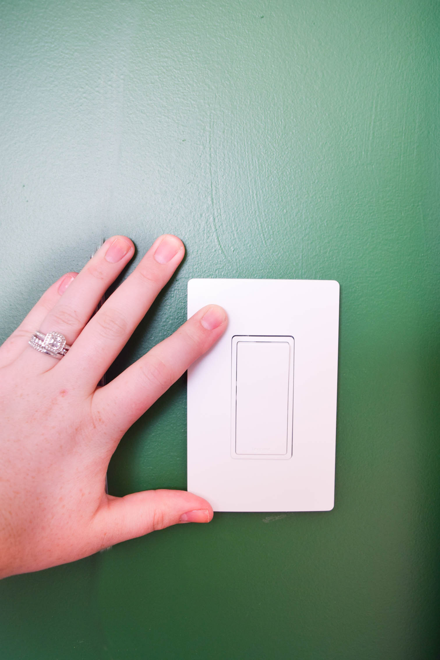 Swapping light switches is easy AF y'all. Who knew?! Legrand did, which is why they made these beautiful switches that are easy to install. Come catch the deets on the blog, as well as a sneak peak of our eclectic guest room reveal.