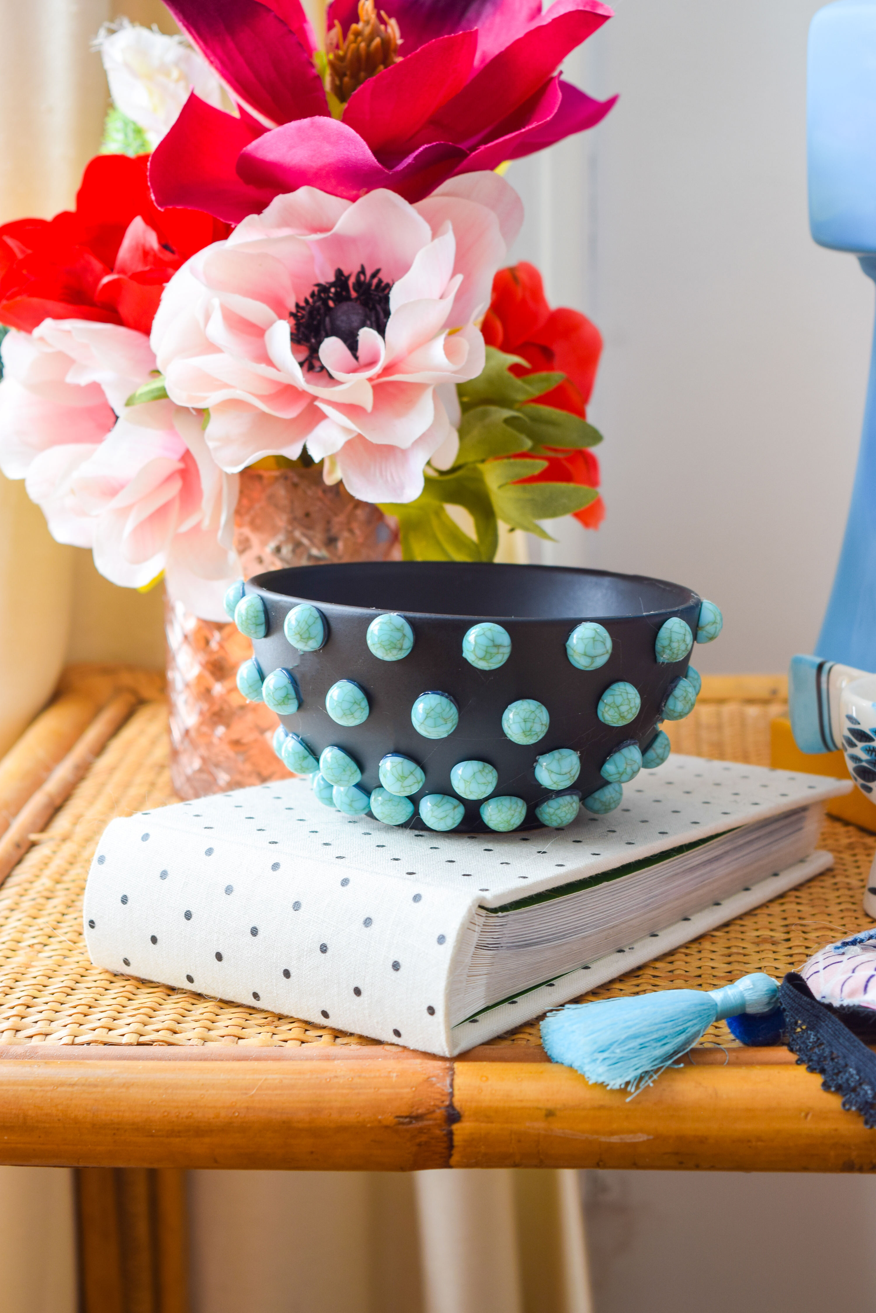 Got 10 mins and some killer beads? Check out my DIY Beaded Turquoise Jewelry Dish. All you need is a bowl and some hot glue! #quickDIY #jewelrydish