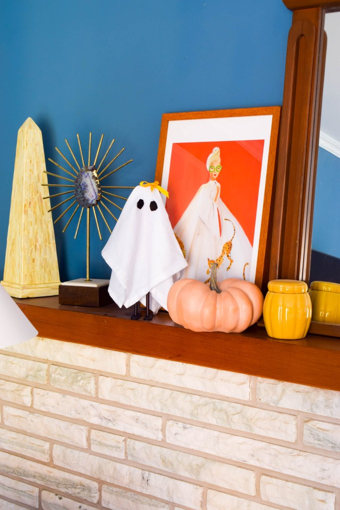 I made the CUTEST DIY Ghost Decor using napkins! Create your own little mischievous gang using supplies you've got lying around the house.