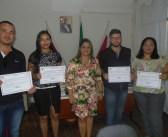 Prefeitura Municipal de São Sebastião da Boa Vista, entrega Decreto e Termo de posse de novos concursados; A vice-prefeita Dilma Azulay, realizou as entregas.