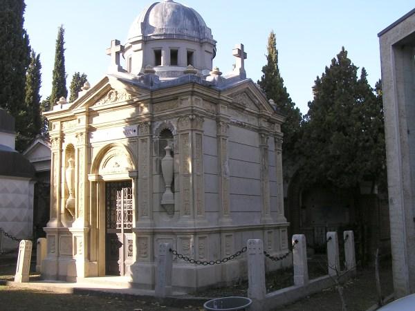 2011 – RESTAURO COPERTURA TOMBA MONUMENTALE