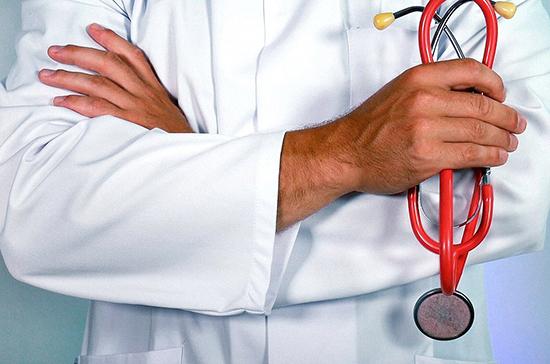 Вирусолог: шум в ушах не является специфическим симптомом COVID-19