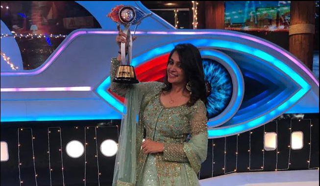 'बिग बोस' सिजन १२ को विजेता बनिन् दीपिका कक्कड़