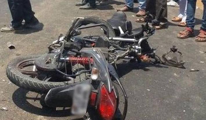 मोटरसाइकल र स्कुटर जुझ्दा एकको मृत्यु, दुई घाइते