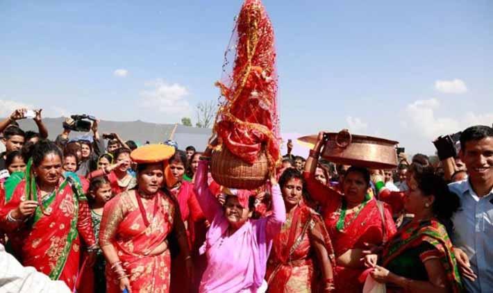 धार्मिक अनुष्ठानका साथ गौरा भित्र्याइयो