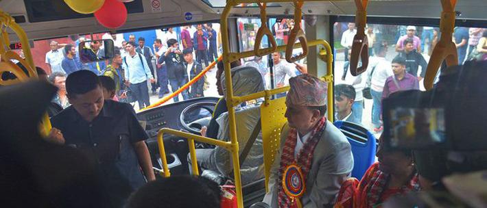 नेपालमै पहिलो पटक चल्यो बिजुली बस