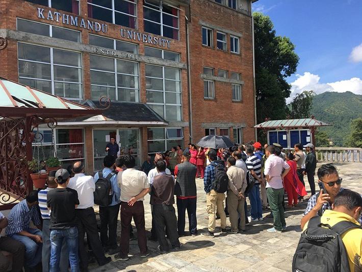 काठमाडौँ विश्वविद्यालयको ताला  अझै खुलेन, वार्ता जारी