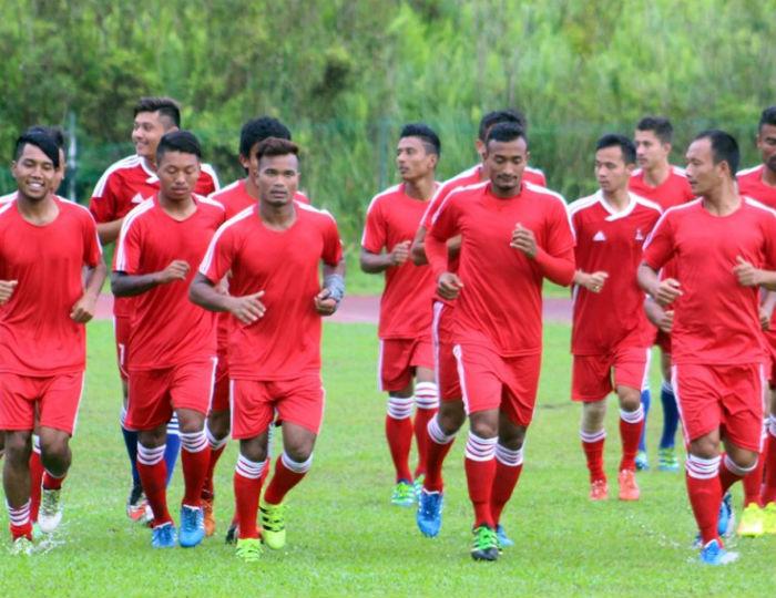 मैत्रीपूर्ण खेलका लागि फुटबल टोली कतार जाने