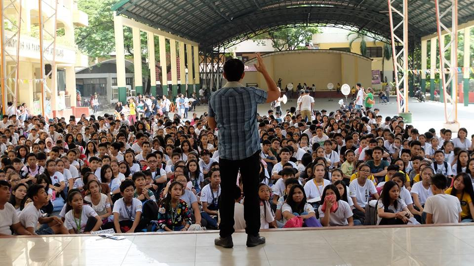 Filipino motivational speaker speaks at the YES O and MYLE Annual Leadership Training