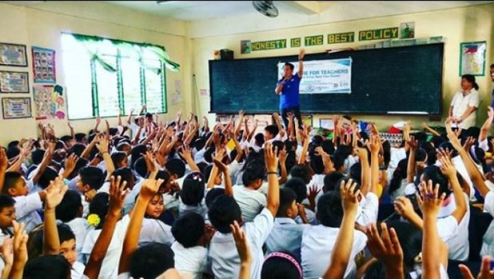 The VoiceMaster doing storytelling for La Huerta Elementary Students