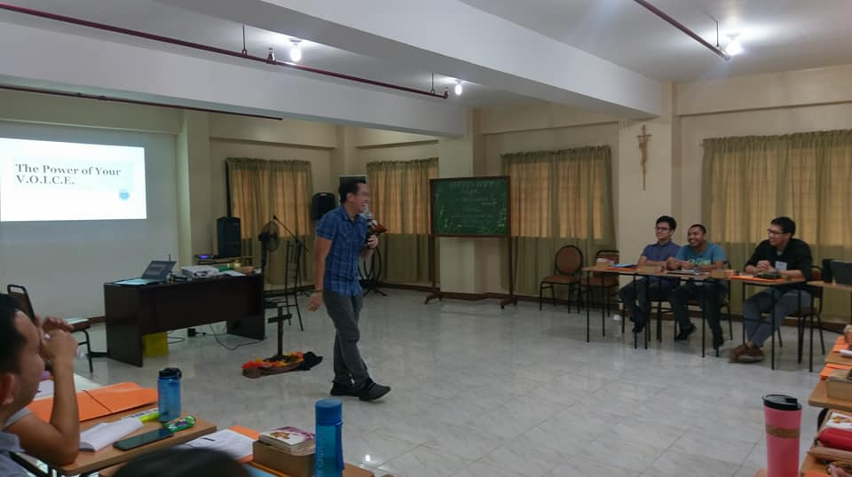 Filipino motivational speaker Pocholo Gonzales speaks about the power of voice at the Retreat Facilitators Bootcamp