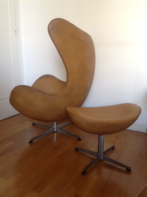 Vintage Eames Herman Miller Ghyczy Garden Egg Chair 70s